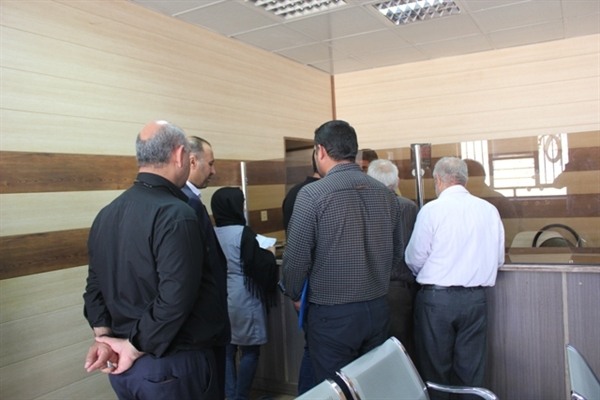 بازدید فرماندار از اداره آب وفاضلاب مسجدسلیمان