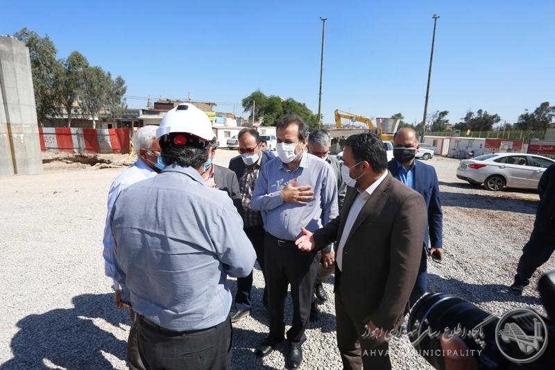بازدید شهردار از روند اجرایی پروژه میدان دانشگاه